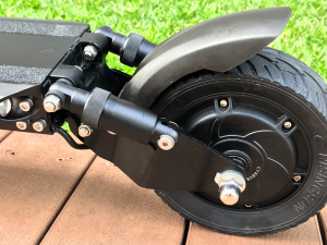 Zero8_garden_1000x750_back-wheel.png